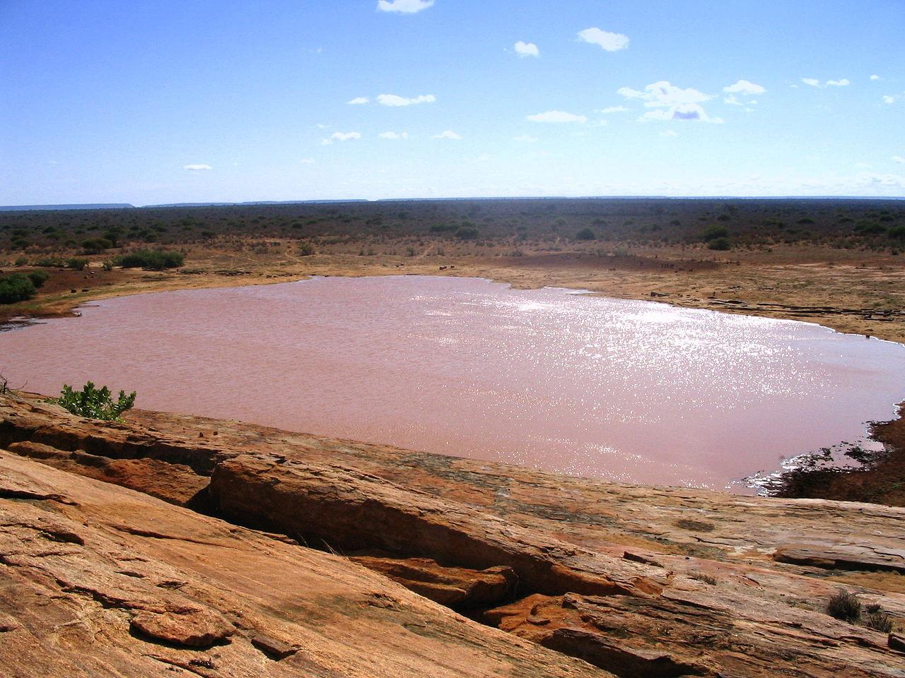 1280px-Mudanda_Rock_in_Tsavo_East_National_Park_(edited)