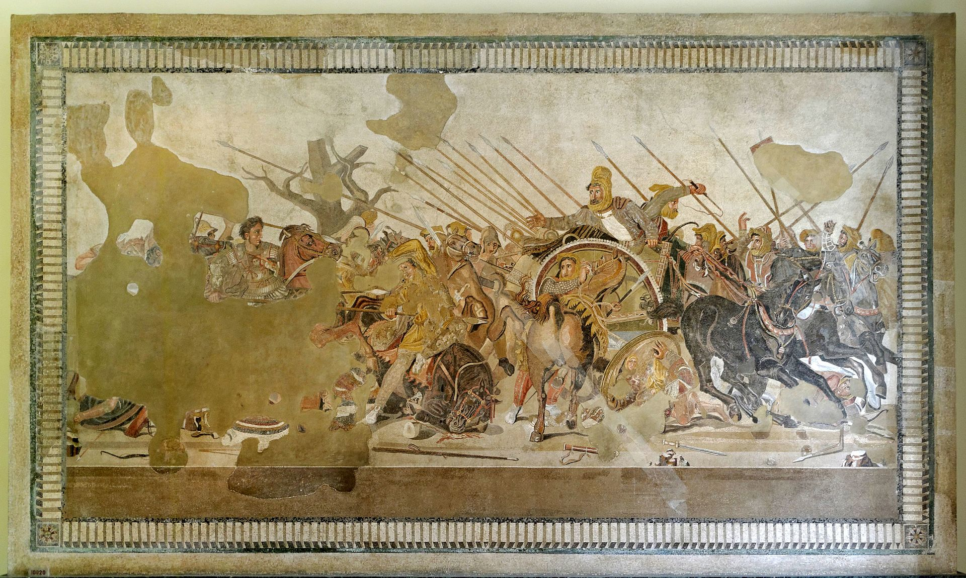 Battle_of_Issus_mosaic_-_Museo_Archeologico_Nazionale_-_Naples_BW
